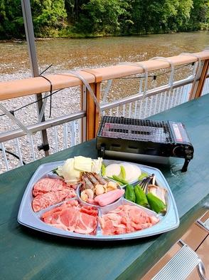 ペットOK(大型犬OK)・お夕食は大塔川沿いのオープンテラスでバーベキュー・朝食は熊野古道弁当