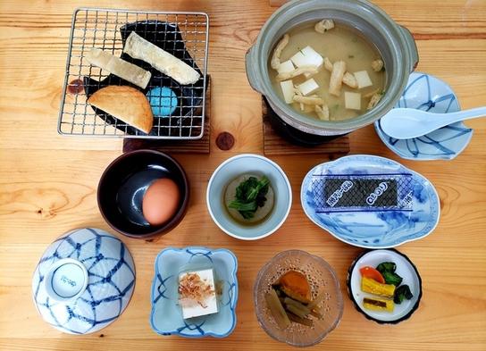 【2食+ステーキ弁当プレゼント】海鮮丼ともつ鍋セットのお夕食☆和朝食☆熊野へ行こう☆熊野古道と温泉