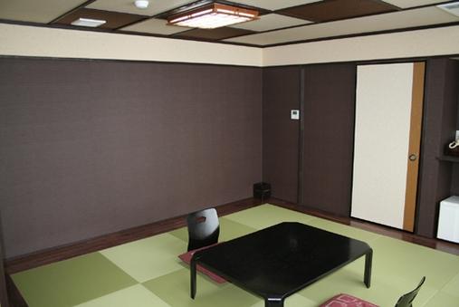 『和室』3〜5名様・2食付【トイレ付き/禁煙】