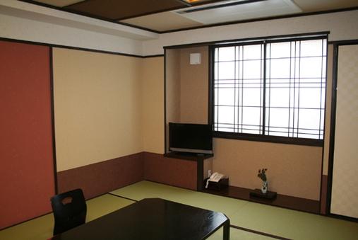 『和室』3〜4名様【トイレ付き/禁煙】