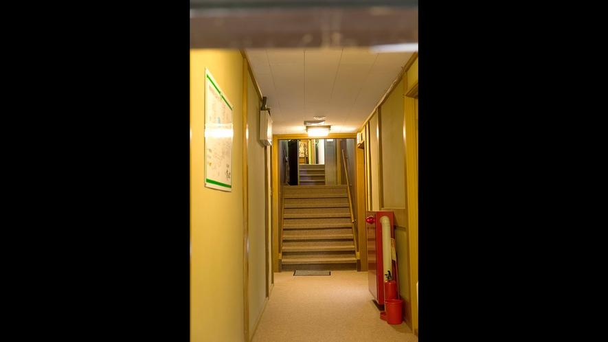 *【館内廊下3】