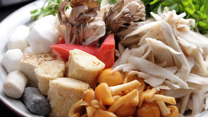 *【田舎鍋】なめこ、ごぼう、里芋など素朴な山の恵みがゴロゴロっ♪
