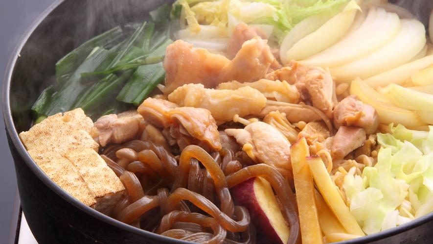 *【京赤地鳥のすきやき】特製の割下で野菜と一緒に食べる地鶏肉は余分な脂肪分もなくヘルシー♪