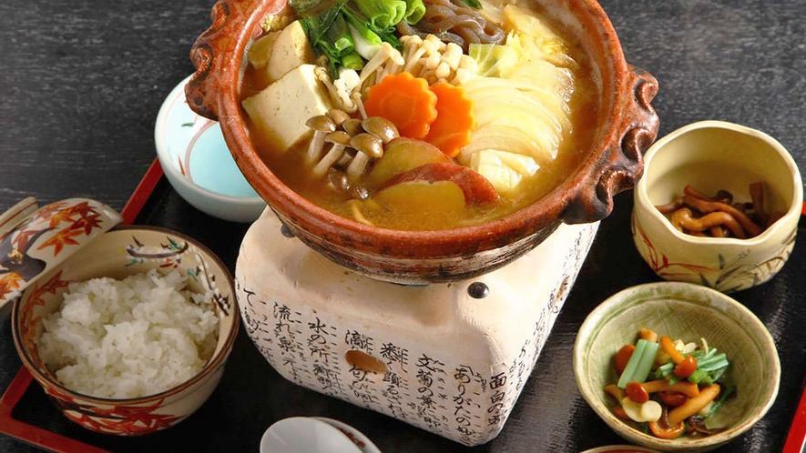 *【姉妹店:雲井茶屋の味噌鍋】でおだししている味噌鍋。もちろん味噌庵の特製味噌で仕上げています。