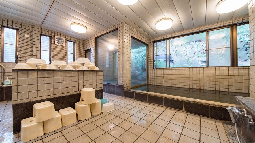 *【お風呂】内湯にリンスインシャンプーとボディソープがあります
