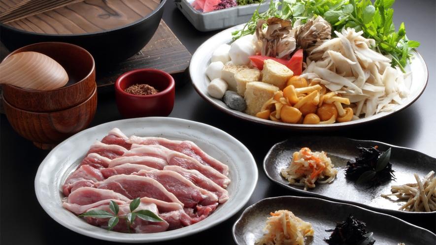 *【田舎鍋】大原産の山椒と、隠し味の自家製味噌がおいしさを引き立てる「田舎鍋」。