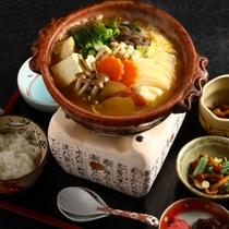【姉妹店:雲井茶屋の味噌鍋】でおだししている味噌鍋。もちろん味噌庵の特製味噌で仕上げています。