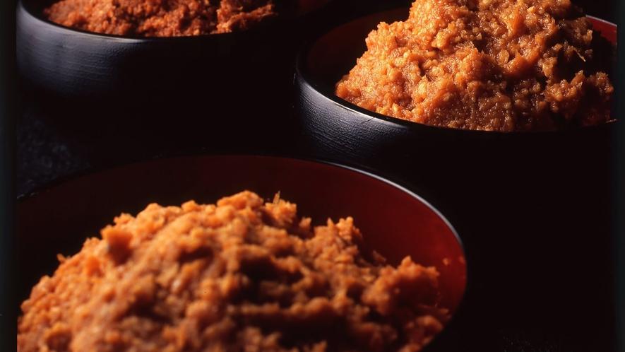 *【出来上がったお味噌】こだわりの素材と製法でじっくり熟成された特別なお味噌です。