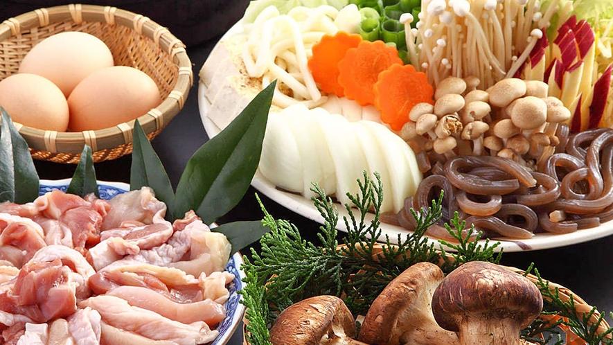 *【松茸入り地鶏味噌すき焼き】松茸と地鶏の風味と香りが食欲をそそる松茸入り地鶏味噌すき焼き