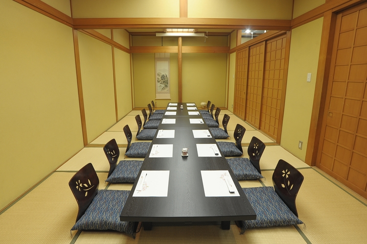 日本料理 鉄板焼き みなと 個室