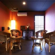 喫煙所一例。コチラの喫煙所以外館内は禁煙となっております。