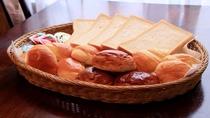 老舗のパン屋さんから届く美味しいパン