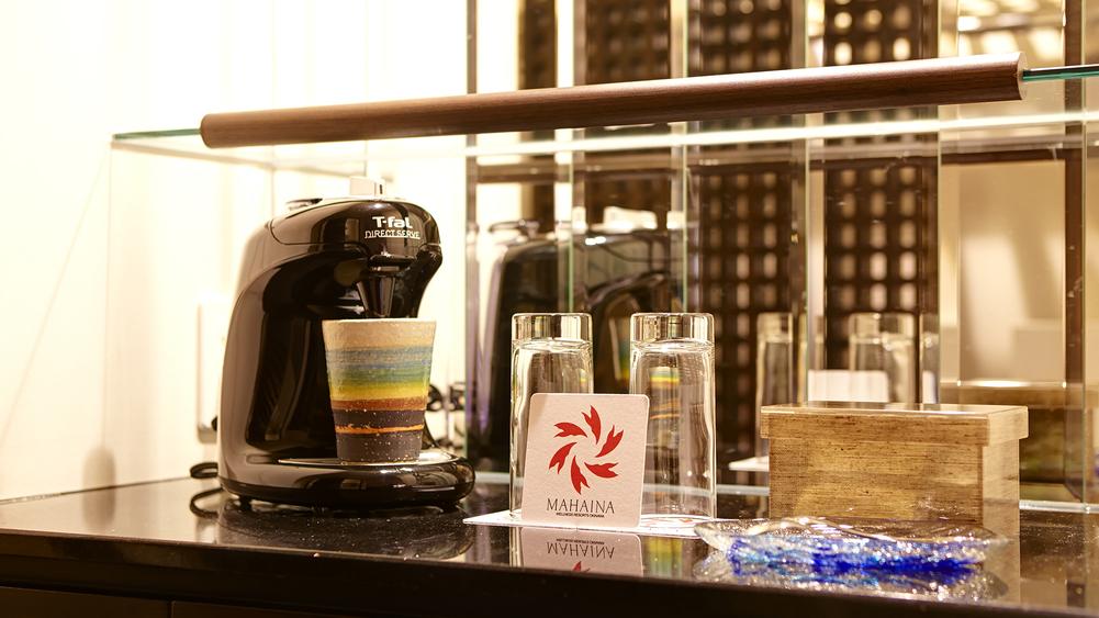 【オーシャンフロア専用/カフェセット】 オーシャンフロアにはコーヒーマシンを完備。