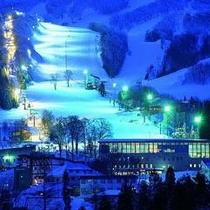 【ゲレンデサイドで蔵王スキーを満喫】目の前は白銀のスキーフィールドが広がる恵まれた立地環境
