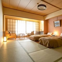 【倶楽部ルーム(和室ベッド・10畳)】和室に寝心地の良いベッドを2台設置した和のデザインルーム