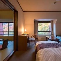 【和洋室デラックスルーム】滞在中は、和室と洋室を使い分けて快適に過ごせる