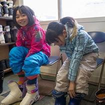 【ゲレンデサイド】スキー靴に履き替えて!思いっきり遊ぼう♪