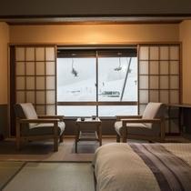 【倶楽部ルーム】畳の快適さといつでも横になれるベッドの気楽さを兼ね備えるお部屋