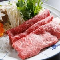 豊かな自然が育んだ上質な肉質と旨味で人気の「蔵王牛」をすき焼きで♪