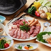 山形ならではのお肉「蔵王牛」「米の娘豚」「ラム肉」を食べ比べる銘肉・三種盛りの鉄板焼き