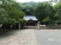 伊豆山神社境内