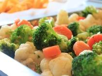 1Fカフェレストラン【パティオ】朝食 温野菜