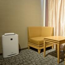 【客室設備】加湿機能付き空気清浄機・全室完備
