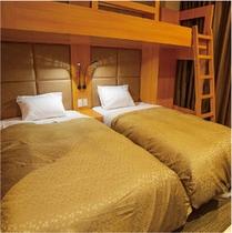 【トリプルルーム】100センチ幅ベッド3台のお部屋です!