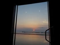 大浴場より日の出