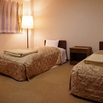 【第2研修館ツイン一例】シャワーブース付のお部屋となります。