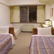 【本館ツインルーム一例】2人旅やご夫婦さんに最適なお部屋です。