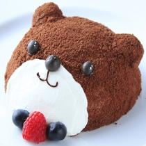グループ店〈カフェ・ド・天翠〉より 可愛らしい見た目のくまちゃんケーキ