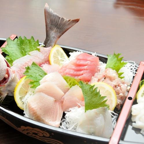 基本プランなどでご提供する地魚の舟盛(3人前)