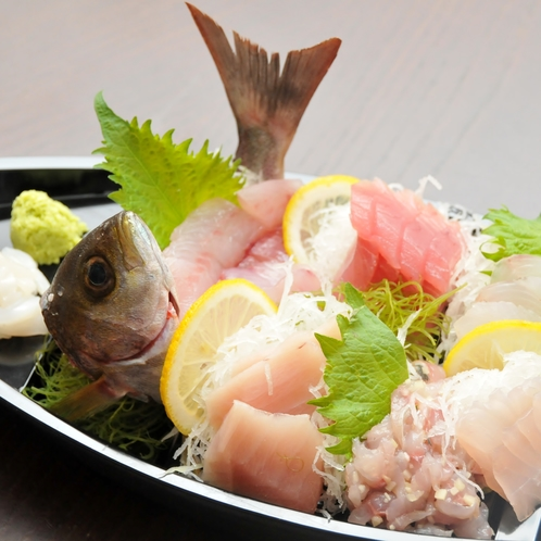 基本プランなどでご提供する地魚の舟盛(2人前)
