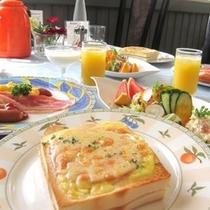 ■朝食パリのカフェごはんクロックムッシュ