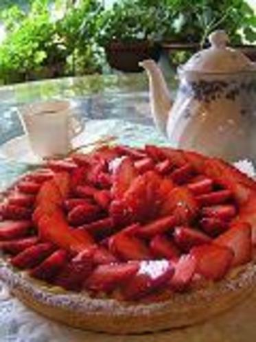 イチゴタルトと紅茶