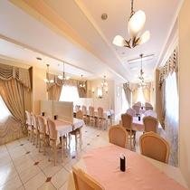レストラン(テーブル側)