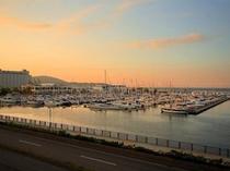 小樽港マリーナの夕景
