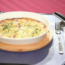 【レストラン一品料理】プレーの合間の食事時間をお楽しみください