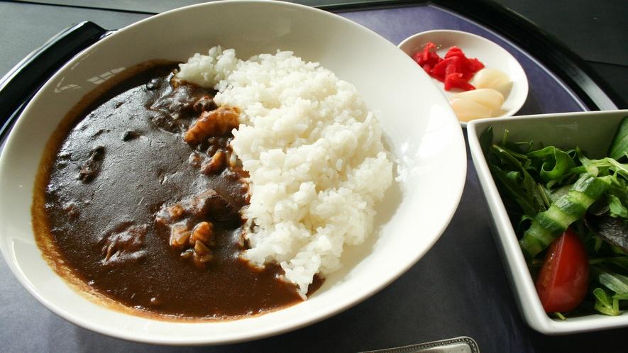 *【レストラン一品料理】プレーの合間にお召し上がりいただける料理をご用意