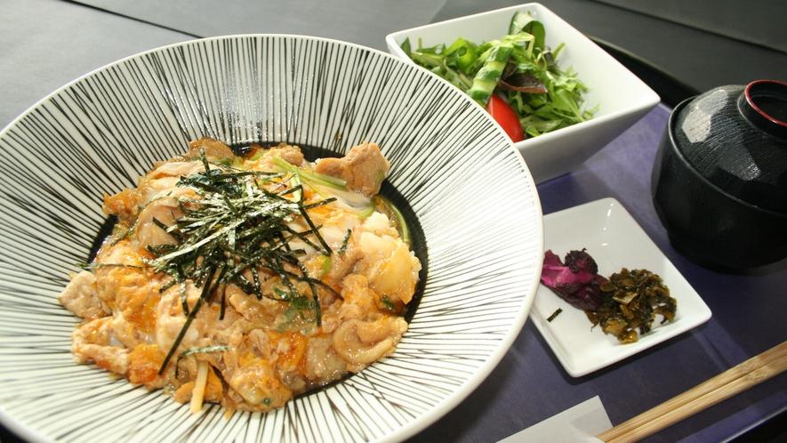 *【レストラン一品料理】プレーの合間の食事時間をお楽しみください