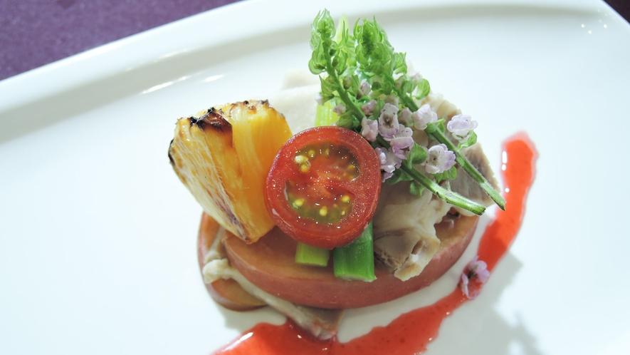 *【夕食一例】シェフが工夫を凝らしたお料理をお召し上がりください
