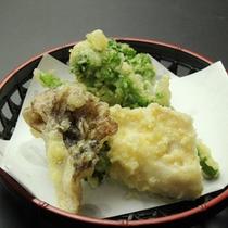 山菜やきのこの天ぷら