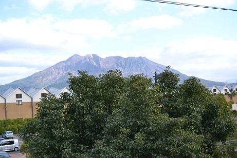 3階か4階からの桜島の眺め