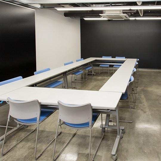 研修やミーティングには会議室もご利用いただけます。