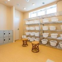 大浴場脱衣所・・・一日の疲れは大浴場で癒されます。