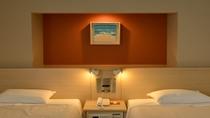 【デラックスツイン】ゆったりとした広さでワンランク上のご宿泊をお楽しみいただけます。