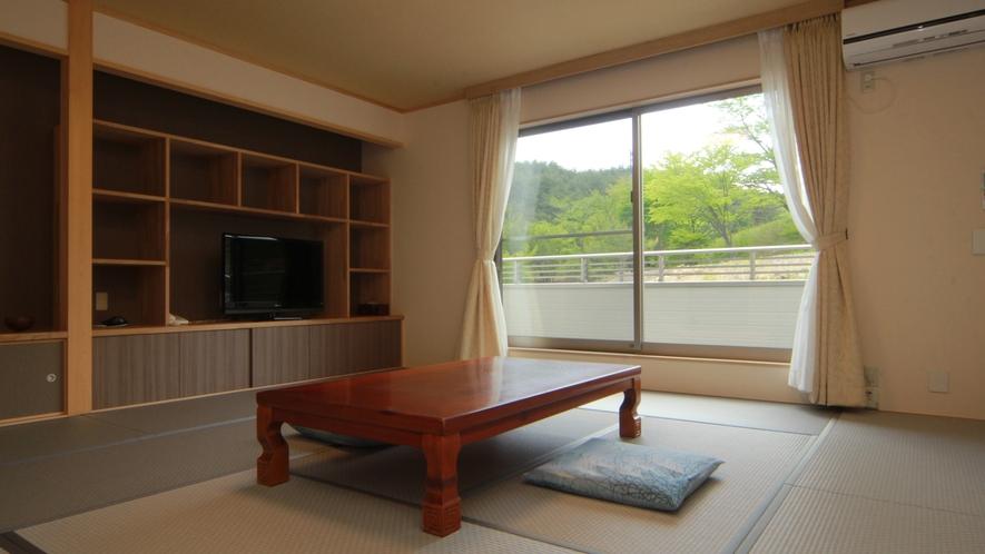 ◆【和室-ハイビスカス-】自然に囲まれたロケーションは時間を忘れてのんびりゆったりの寛ぎ空間です。