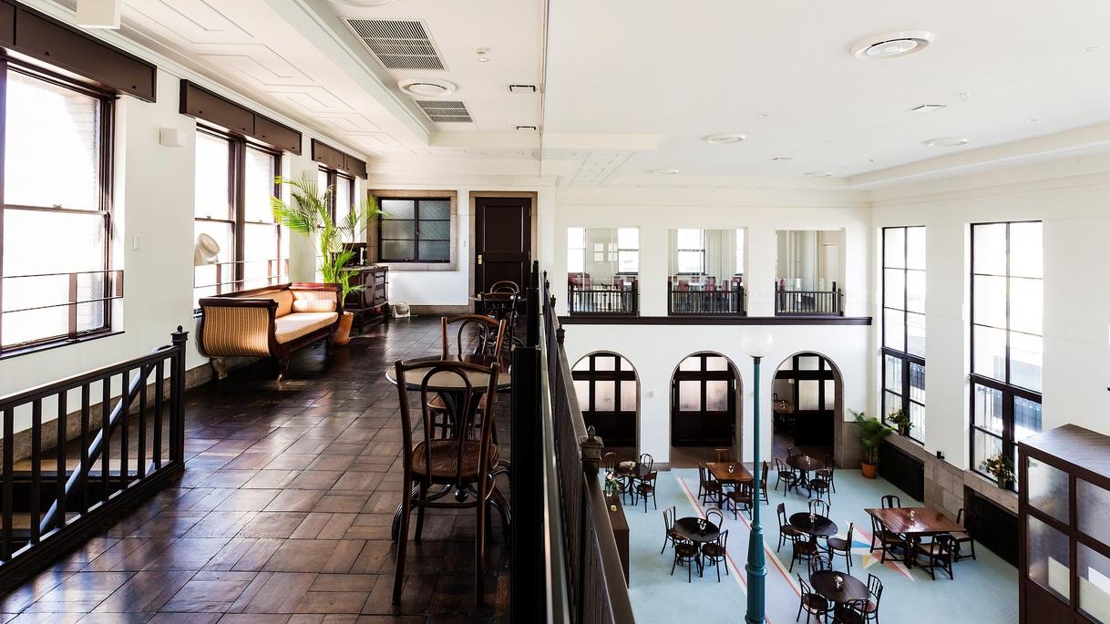 館内2階、ご宿泊のお客様限定のフリードリンクラウンジをご利用いただけます