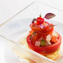 【トマトのクリアースープ】素材の旨味を最大限に引き出しています